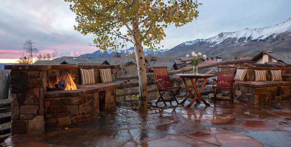 telluride_landscaping_patio_firepit